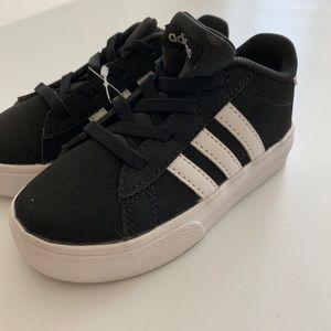 Unisex  sneakers new never worn